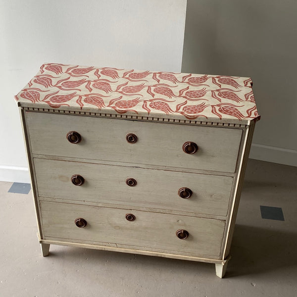 Gusto Painted Imperial Chest - Get the Gusto, commode - interior design, shop Get the Gusto - Get the Gusto, Amazon Get the Gusto - gusto shop