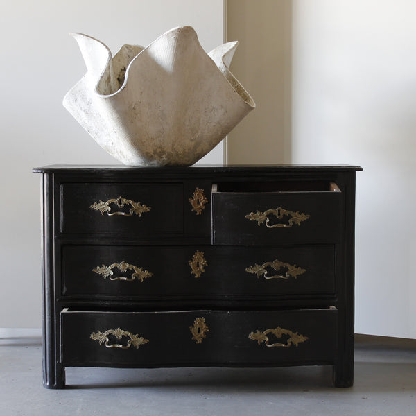 18th C. French Black Commode - Get the Gusto, commode - interior design, shop Get the Gusto - Get the Gusto, Amazon Get the Gusto - gusto shop