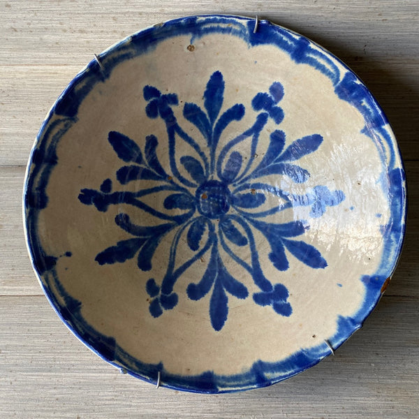 18th C. Spanish Culo Mono Bowl Flower - Get the Gusto, Pottery - interior design, shop Get the Gusto - Get the Gusto, Amazon Get the Gusto - gusto shop