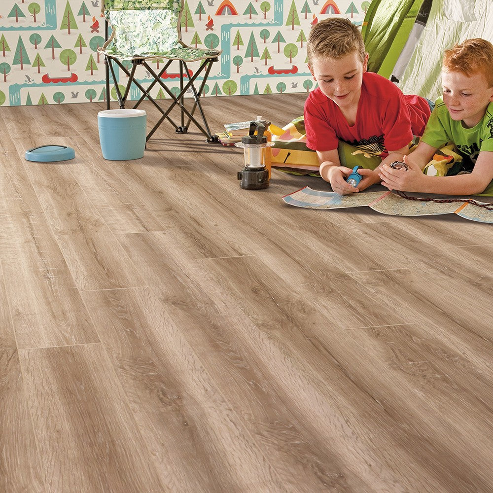 Elka 8mm Honey Oak Laminate Flooring