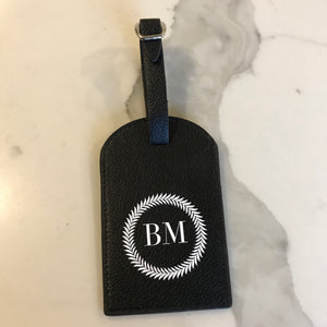 TRAVEL TAG - BLACK BM WREATH