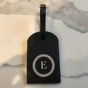 TRAVEL TAG - BLACK E WREATH