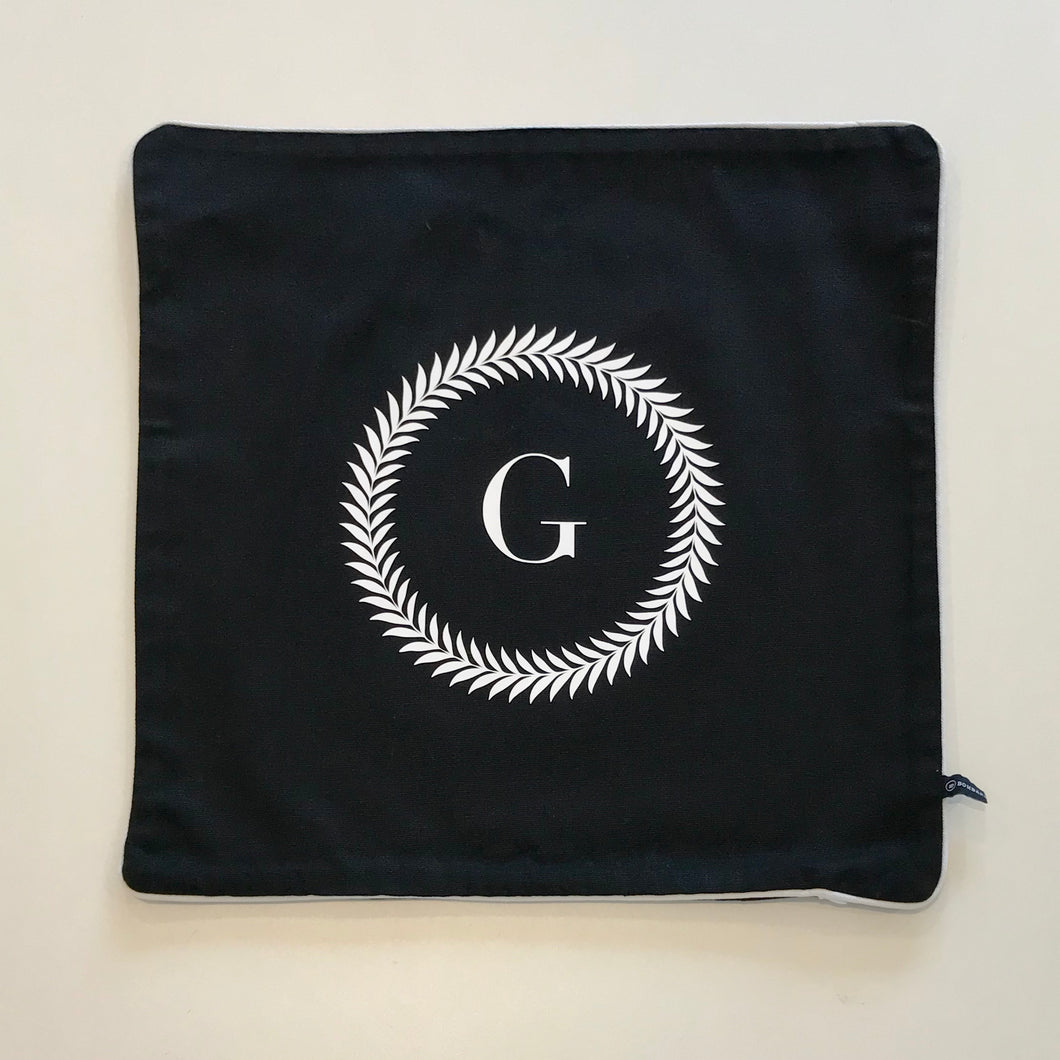 INITIAL CUSHION COVER - BLACK G WREATH - EX PROP