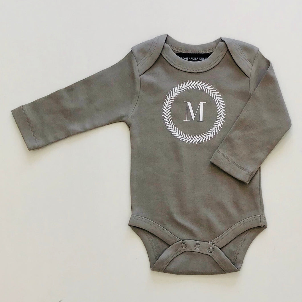 BABY BODYSUIT - GREY M WREATH - EX PROP