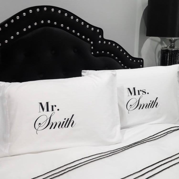 TITLE PILLOWCASE SET