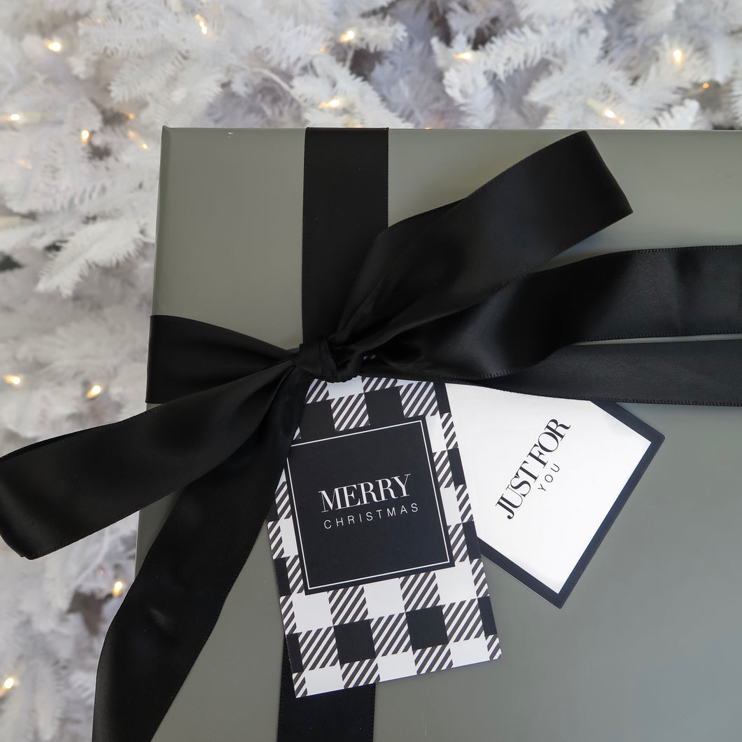 MONOCHROME LUXE CHRISTMAS GIFT TAGS