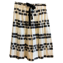 Load image into Gallery viewer, Max Mara Studio Skirt - De'Žavu Boutique