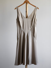 Load image into Gallery viewer, Ralph Lauren silk dress - De'Žavu Boutique