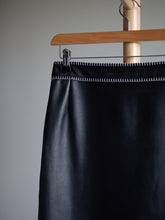 Load image into Gallery viewer, Escada black leather skirt - De'Žavu Boutique