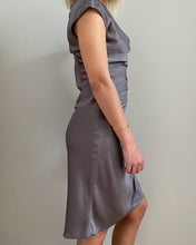 Load image into Gallery viewer, Mariposa brown satin dress - De'Žavu Boutique