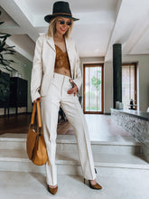 Load image into Gallery viewer, Stefanel beige woman's suit - De'Žavu Boutique