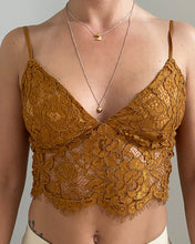 Load image into Gallery viewer, Lace cropped top in brown - De'Žavu Boutique