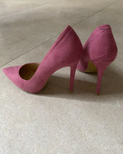 Load image into Gallery viewer, Juliet pink pointed high heels - De'Žavu Boutique