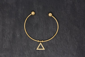 Minimalist Bracelet With Triangle - De'Žavu Boutique