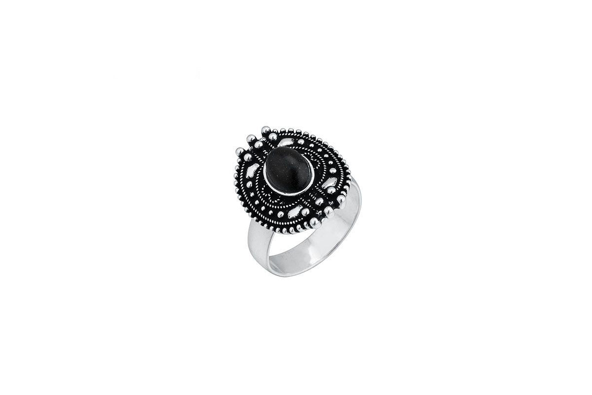 Ring With Black Stone - De'Žavu Boutique