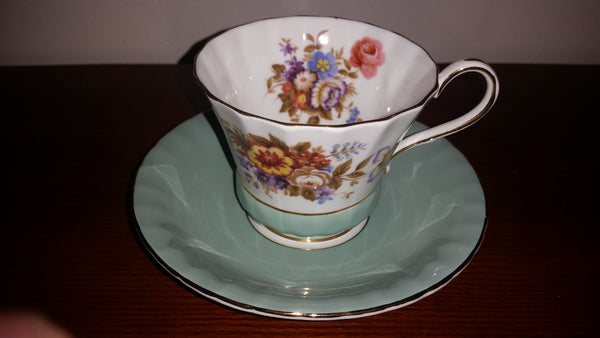 1960s Aynsley Fluted Primulas and Violets Bone China Teacup & Saucer Set
