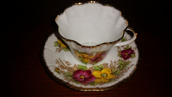 "1950s Salisbury "" Pansy "" Teacup and Saucer Fine Bone China .Pattern 1878"