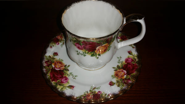 1960s Royal Albert Old Country Roses Tea Cup and Saucer Set