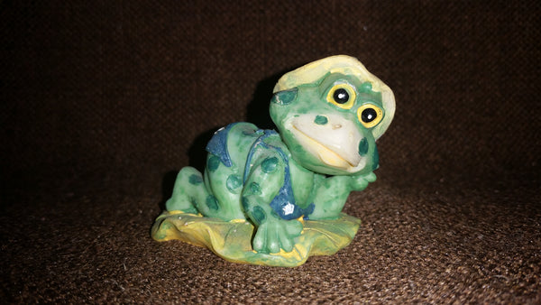 Small Frog in Bikini and Sun Hat Lounging Out on a Lilly Pad Decorative Ornament - Treasure Valley Antiques & Collectibles
