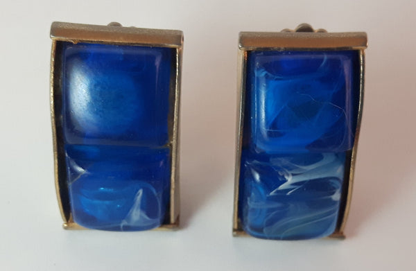 Vintage 1960s Blue Marbled Gold Tone Clip On Earrings