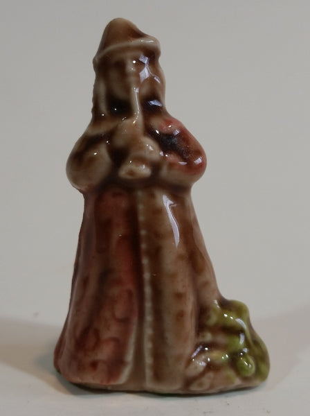 "Red Rose Tea ""The Pied Piper"" Wade Figurine - Treasure Valley Antiques & Collectibles"