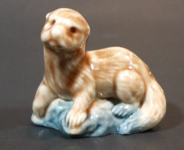 Red Rose Tea Otter Wade England Figurine - Treasure Valley Antiques & Collectibles