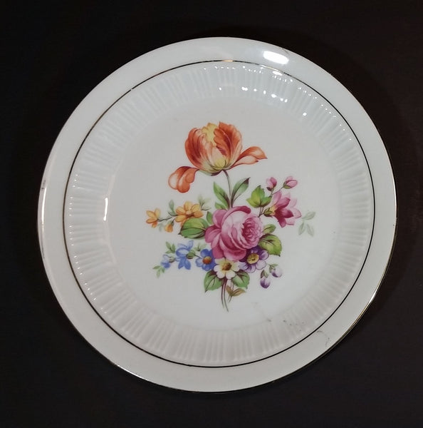 "1950s Colditz Pottery German Democratic Republic (East Germany) Mixed Flowers B40 6 3/4"" Plate - Treasure Valley Antiques & Collectibles"