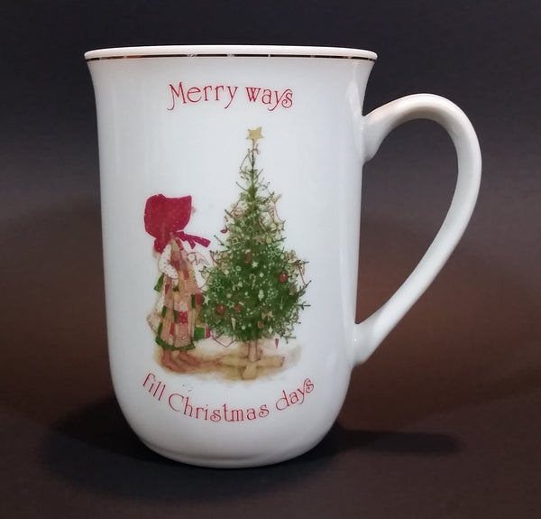 "Rare 1978 Holly Hobbie Designer's Collection ""Merry ways and Christmas Days"" Christmas Mug"