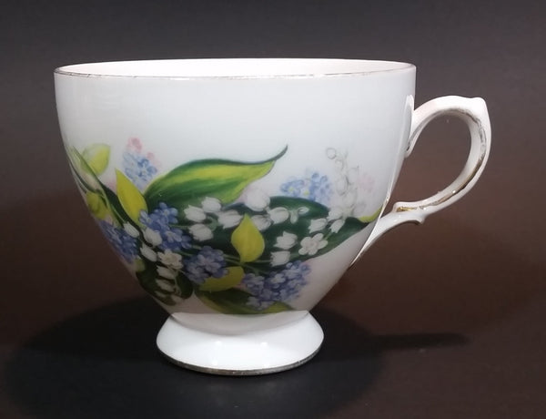 1959-1964 Queen Anne Bone China Ridgway Potteries England Floral Pattern 8490 Teacup