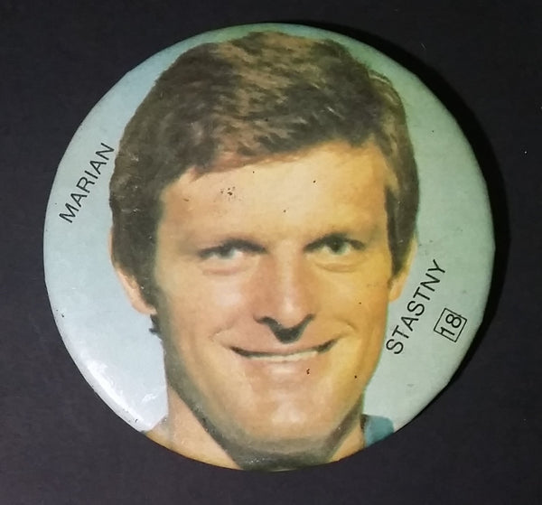 Early 1980s Marian Stastny #18 Quebec Nordiques NHL Hockey Collectible Button Pin - Treasure Valley Antiques & Collectibles