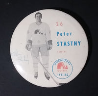 1981-82 Peter Stastny #26 Centre Quebec Nordiques NHL Hockey Collectible Button Pin