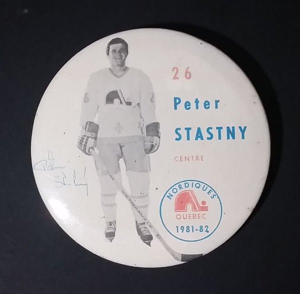 1981-82 Peter Stastny #26 Centre Quebec Nordiques NHL Hockey Collectible Button Pin - Treasure Valley Antiques & Collectibles