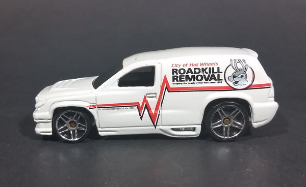 2008 Hot Wheels City of Hot Wheels Fandango Roadkill Removal White Die Cast Toy Car Vehicle - Treasure Valley Antiques & Collectibles