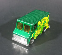 2009 Hot Wheels Graffiti Rides Green Letter Getter 1986 Mail Delivery Van Die Cast Toy