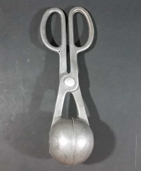 Vintage Aluminum Meatball Maker - Kitchen Collectibles - Made In Japan