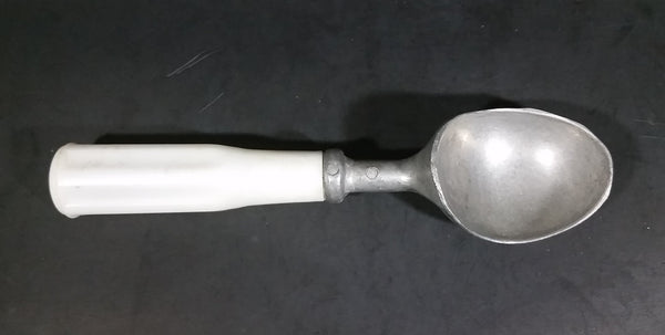 Vintage Taiwan Aluminum Ice Cream Scoop w/ White Plastic Handle (Small crack in handle) - Treasure Valley Antiques & Collectibles