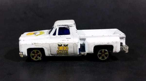 "1980s Yatming Chevrolet LUV Stepside ""Cherry Picker"" White Pickup Truck No. 1700 Die Cast Toy Car Vehicle - Made in Hong Kong - Treasure Valley Antiques & Collectibles"