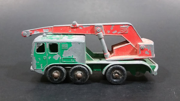 1960s Matchbox Series Lesney Products 8 Wheel Crane Truck No. 30 Green Die Cast Toy Car Vehicle Made in England