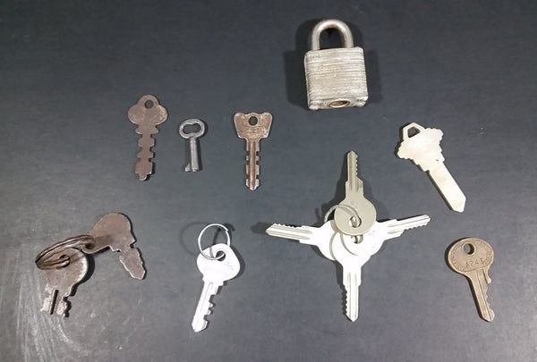 Vintage Collectible Mixed Variety Lot of 11 Keys w/ Lock (12 Pieces) - Treasure Valley Antiques & Collectibles