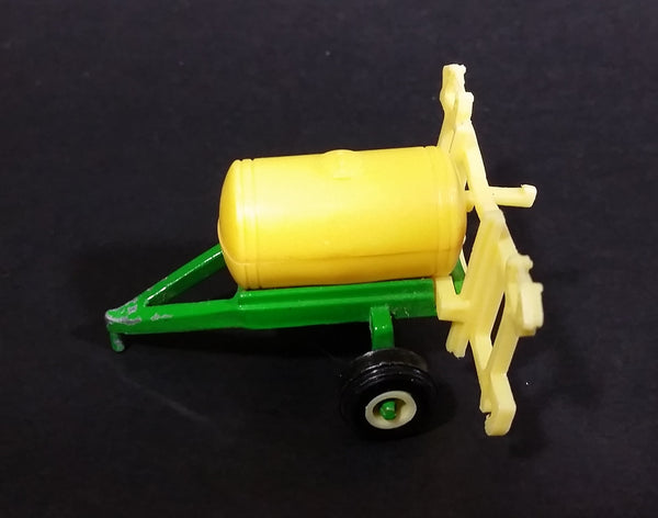 1990s Ertl Farm Machines John Deere Green and Yellow Sprayer 1/64 Die-cast Metal Farm Implement Toy Replica 5553-9011