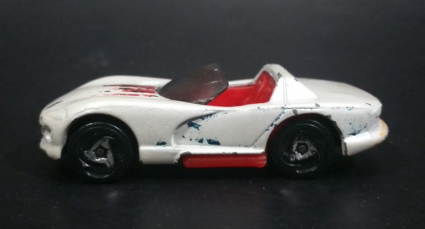 1998 Hot Wheels Dash 4 Cash Dodge Viper RT/10 White Die Cast Toy Race Car Vehicle - Treasure Valley Antiques & Collectibles