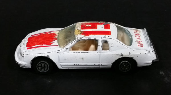 1980s Yatming Ford Thunderbird White 19 Red Flames No. 1033 Die Cast Toy Car Vehicle - Made in Thailand