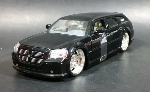 Rare Jada Dub City Kustoms 2005 Dodge Magnum R/T 1/24 Black Model Die Cast Toy Car Vehicle - Treasure Valley Antiques & Collectibles