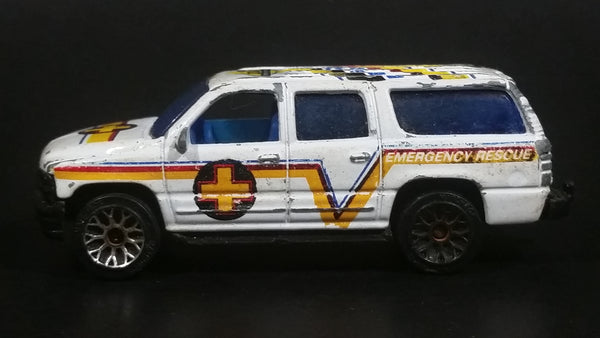 Rare 2004 Matchbox Special Edition 2000 Chevrolet Suburban White Die Cast Toy Car Emergency Rescue Vehicle