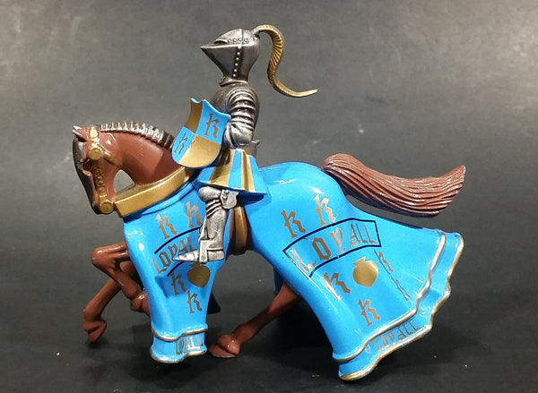 1997 Britains Die Cast Jousting Medieval Knight on Blue Draped Brown Horse Figure - Jousting stick broken off - Treasure Valley Antiques & Collectibles