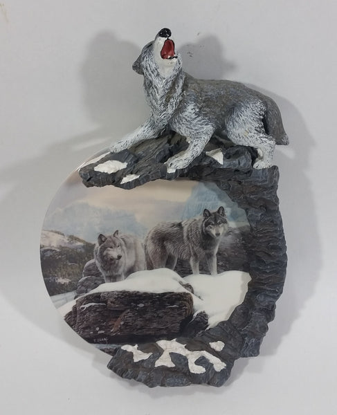 2001 Bradford Exchange Arctic Watch Songs of the Summit by Terry Isaac Decorative Wolf Wolves Wildlife Collector Plate