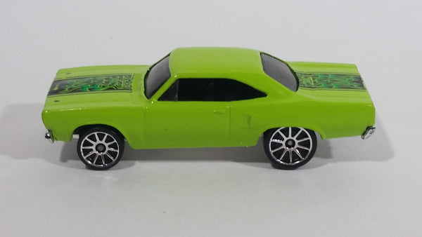 2006 Hot Wheels Motown Metal '70 Roadrunner Lime Green Die Cast Toy Muscle Car Vehicle