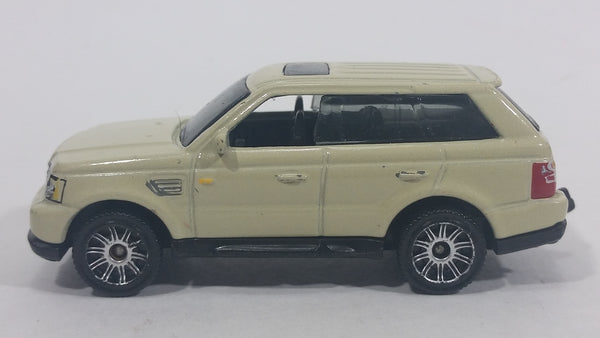 Rare Hard to Find 2008 Matchbox 2005 Range Rover Sport White Cream Die Cast Toy Car SUV Vehicle