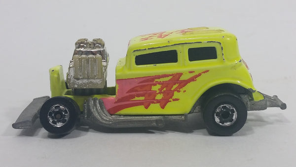 1990 Hot Wheels Super California Customs '32 Ford Vicky Cool Duel Bright Yellow Die Cast Toy Hot Rod Car Vehicle