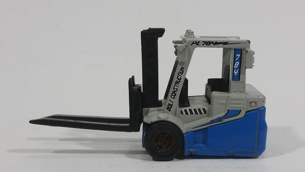 2009 Matchbox Power Lift 2000 Fork Lift Blue Grey Die Cast Toy Car Warehouse Machinery Construction Vehicle Equipment